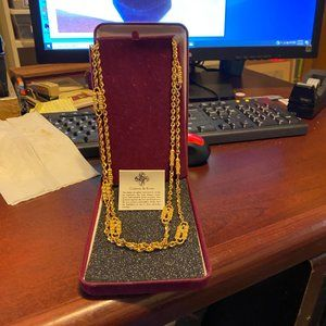 Jacqueline Bouvier Kennedy Necklace - NEW IN BOX